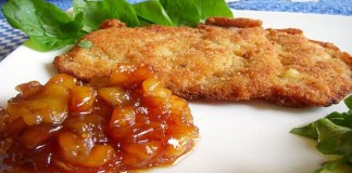 Schnitzel com purê de maçã