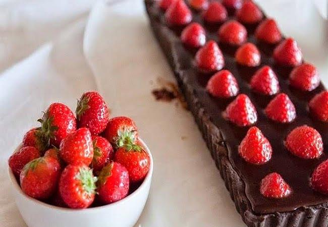 Receita de Torta de Chocolate com Morangos