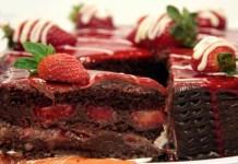 Receita de Torta de chocolate com morango
