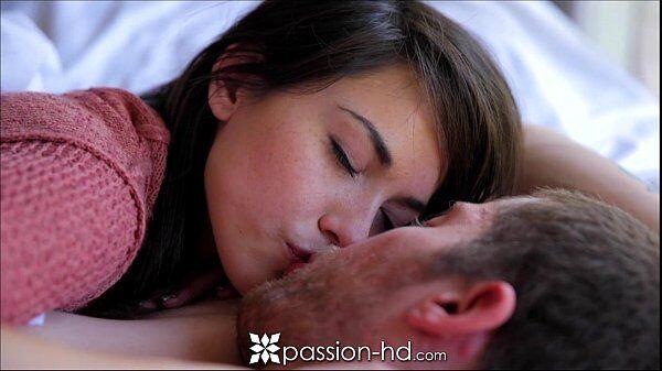 Passion hd novinha linda e safadinha dando uns pegas gostosos com seu macho