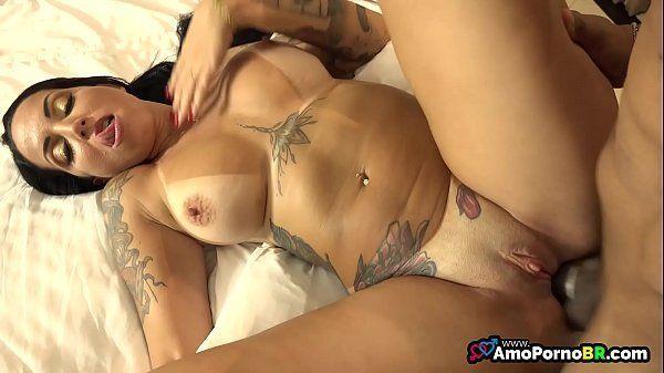 Sexo com Elisa Sanches dando o bucetão