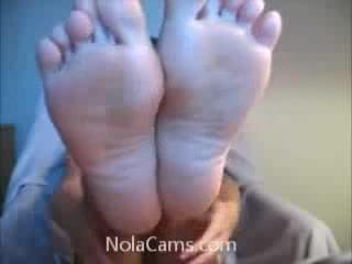 webcam girl feet