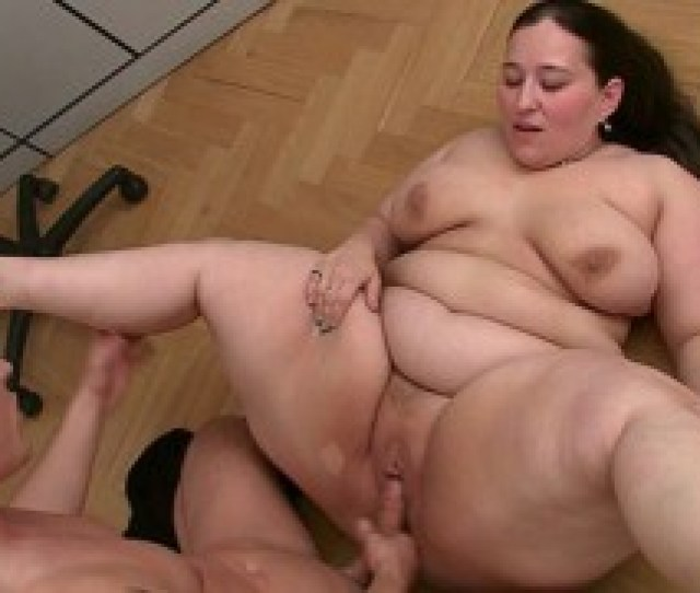 The Horny Bbw Gets Naked In The Office And Has Great Plumper Sex With New Client