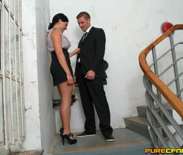 Handjob British Office Girl Give Blowjob Porn Pic Xxx