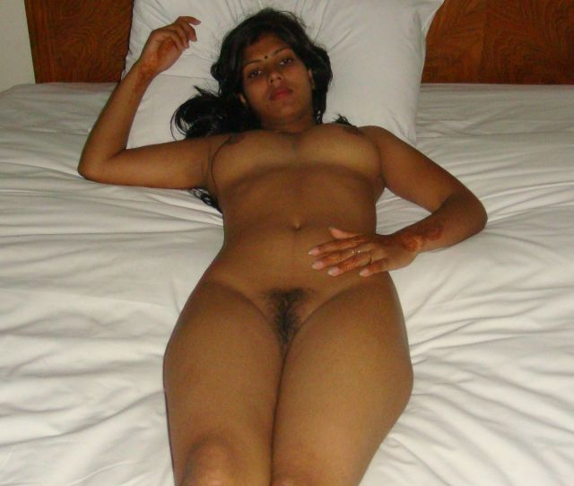 Sexy Sowndarya Nude Fingering Her Pussy Potos