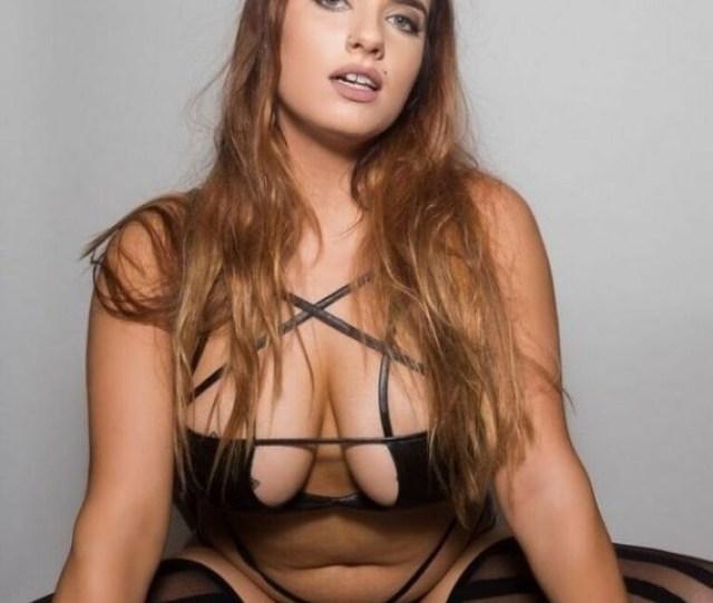 Scarlet Sade Natural Busty Tattooed Girl Porn Fan Community Forum 1