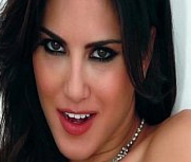 Sunny Leone Fucking Her Husband In Mexico Porn Video 3