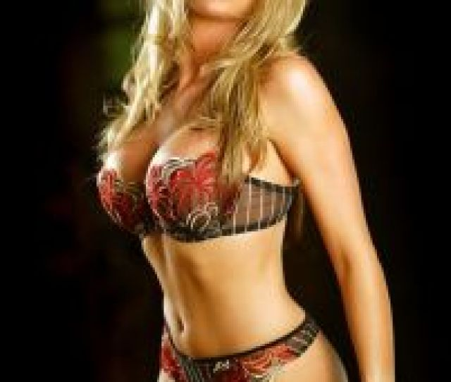 Tomboy Porn Diora Baird Nude In Cabin Fever