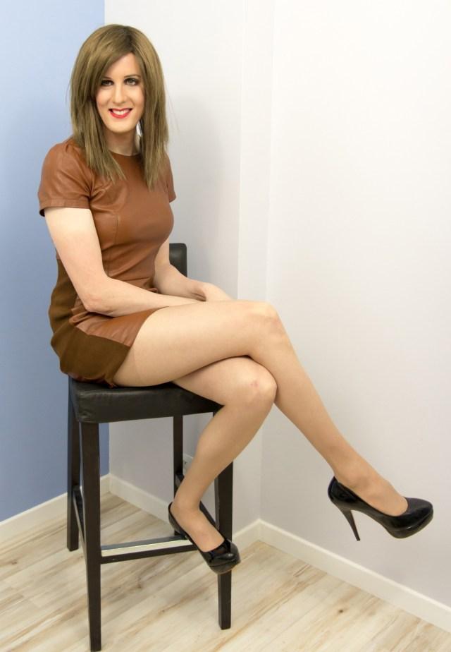 Le meilleur maquillage n'y fera rien. Tout le monde va parler de votre robe en cuir, des escarpins, ou de votre paire de jambes.