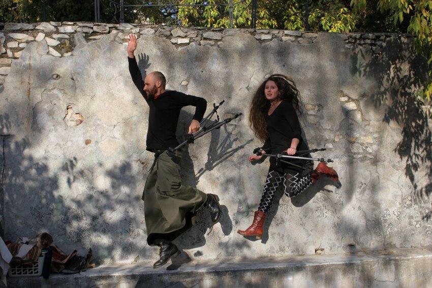 Jean-Guy Béal et Jennifer Marano ont à cœur de rendre ses titres de noblesse à la jupe pour homme !