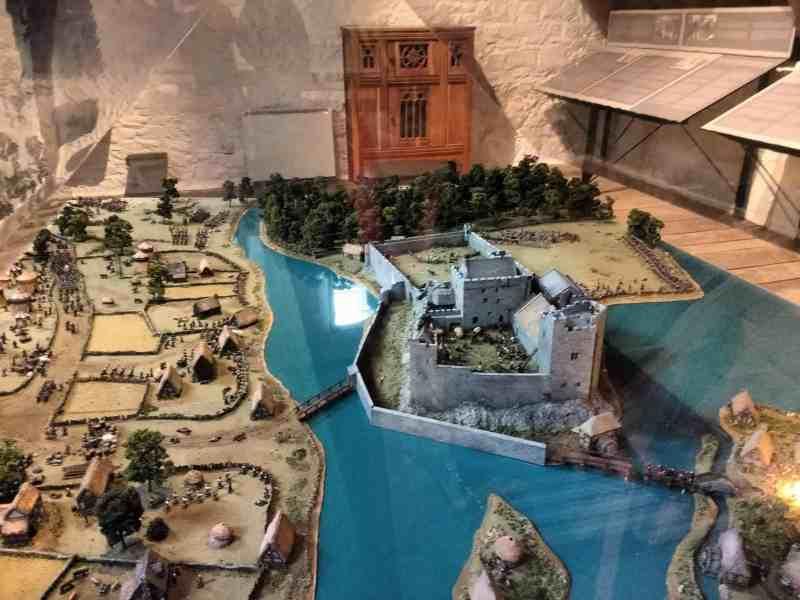 Cahir Castle defenses