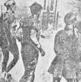 Τάγματα Ασφαλείας Τσολιάδες - Οδηγούν Ελληνα αγωνιστή στους Γερμανούς για εκτέλεση, 1944