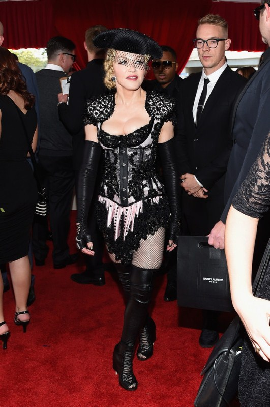 madonna-grammys-givenchy