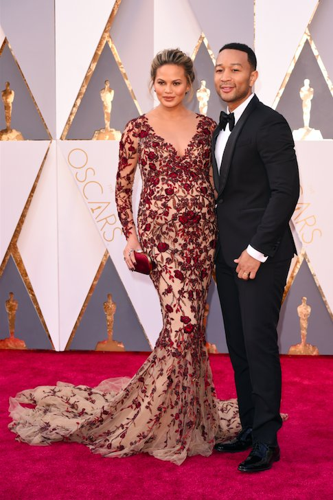 chrissy-teigen-academy-awards-marchesa