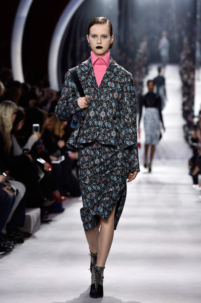 Christian+Dior+Runway+Paris+Fashion+Week+Womenswear+haknv0tLNSRl