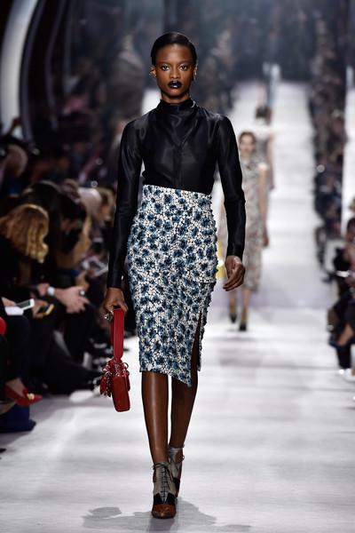 Christian+Dior+Runway+Paris+Fashion+Week+Womenswear+wRVdZAefJcjl