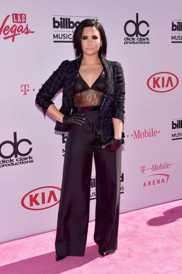 Billboard-Music-Awards-Arrivals-demi-lovato