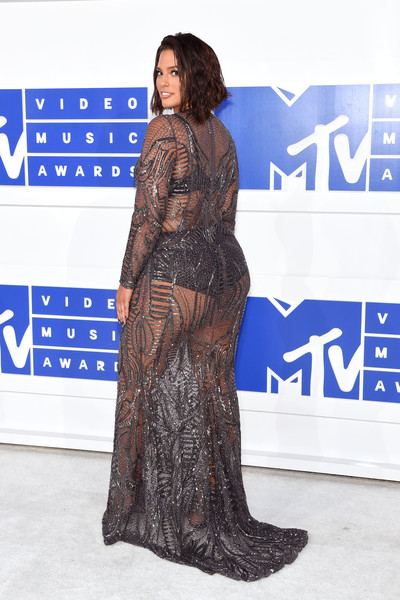 2016-mtv-music-awards-yaasomuah-Ashley Graham