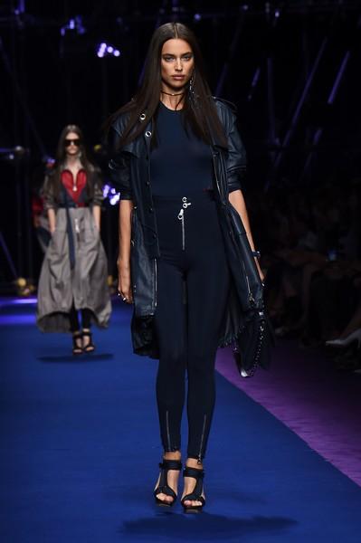 versace-milan-fashion-week-irina-shayk-yaasomuah-2016