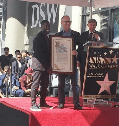 kevin-hart-yaasomuah-2016-hollywood-walk-of-fame-4
