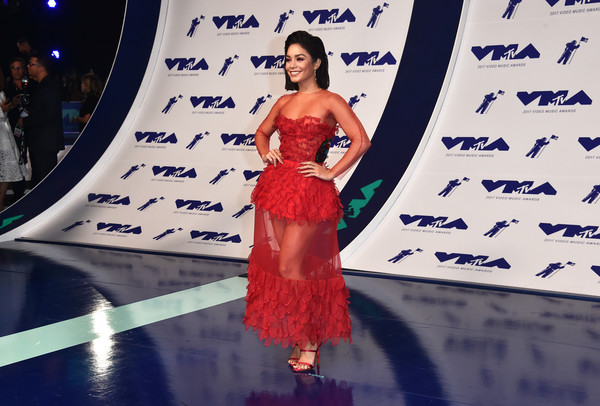 2017-mtv-video-music-awards-vmas-vanessa-hudgens