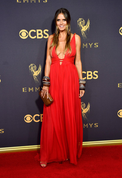 69th-Annual-Primetime-Emmy-Awards-Heidi Klum-emmys-2017