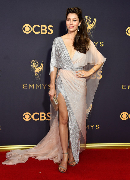 69th-Annual-Primetime-Emmy-Awards-Jessica-Biel-emmys-2017