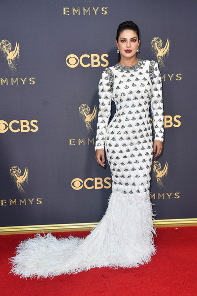 69th-Annual-Primetime-Emmy-Awards-Priyanka-Chopra-emmys-2017