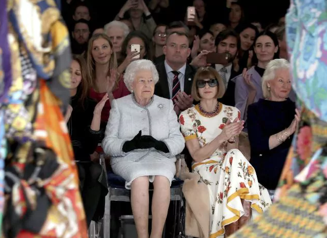queen-elizabeth-london-fashion-week