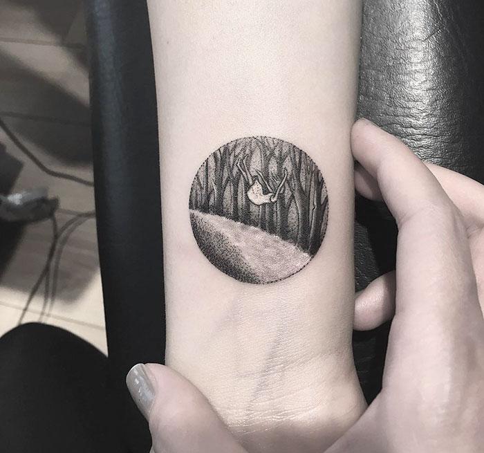 miniature-circular-tattoo-eva-krbdk-27-57a3019b51e33__700