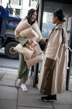 street-style-london-fashion-week-aw17-photos-13