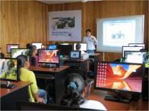 Operador de Telecentro Pichari dictando clases de Alfabetización Digital