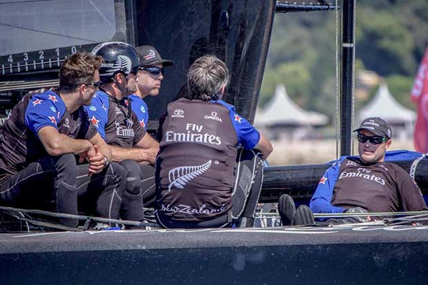 Giles Scott - Land Rover BAR's AC50 arrives in Bermuda Hamish Hooper/Emirates Team NZ http://www.etnzblog.com