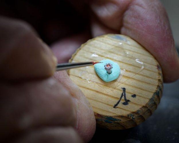 Arnold-Son-Ultrathin-Tourbillon-Koi-Bespoke-Crafts-meets-watchmaking-11-624x499