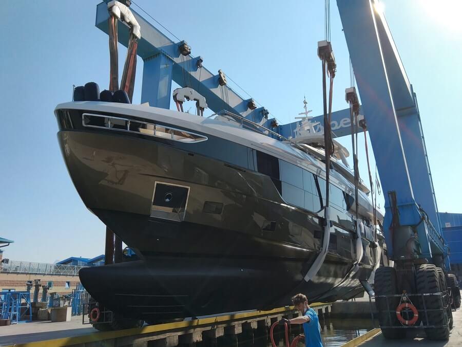 Azimut, Yachts, Grande, Trideck, launch, superyacht, second, unit, hull