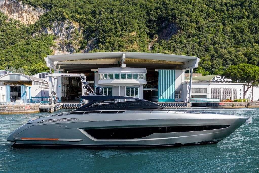 Riva, 68', Diable, Sarnico, Lake Iseo, Ferretti Group, hard top, Mauro Micheli, Officina Italiana Design