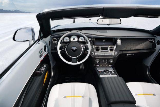 Rolls-Royce-Dawn-Black-Badge-Landspeed-Collection-interior-fascia-min-624x416