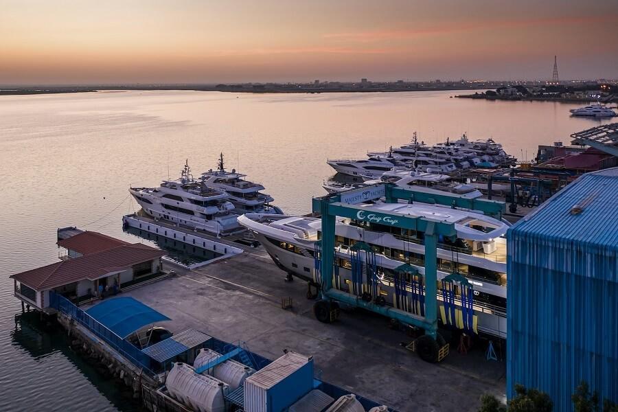 Cantiere delle Marche, CdM, Darwin 115, Hydro Tec, Nauta Design, Vasco Buonpensiere, explorer, yacht