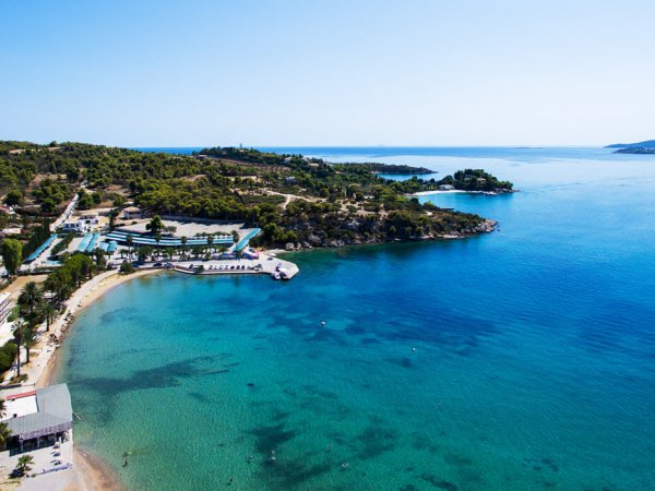choose porto heli peloponnese for your summer vacations in greece and rent a villa from our luxurious collection