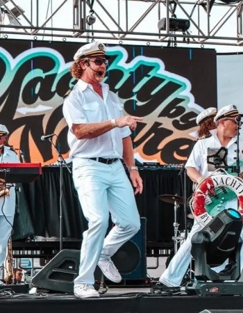 captain carl fort lauderdale yacht rock new year midwest yacht rock yachty by nature smooth soft rock snoop nood beach big stage sexy saxy festival