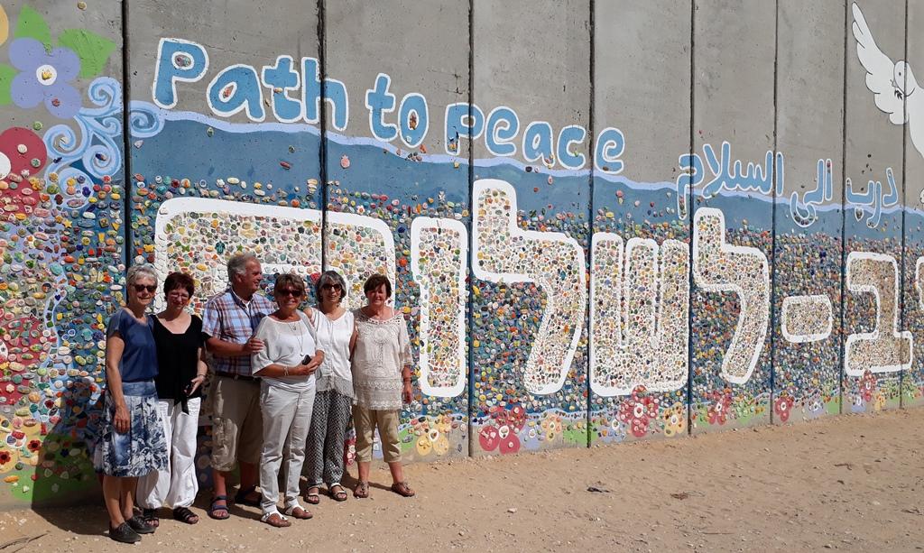 Muur path to peace