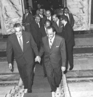 قحطان الشعبي مع جمال عبدالناصر