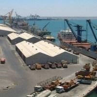 وصول الرافعات المقدمة من السعودية دعماً لميناء عدن