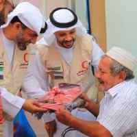 """الهلال الأحمر الإماراتي يلبي احتياجات دار العجزة والمسنين بعدن """"صور"""""""