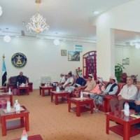 الرئيس عيدروس الزُبيدي يلتقي بعدد من الوجهاء والمشائخ من محافظة أبين