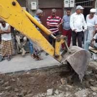 تدشين مشروع تقوية شبكة المياه لشعب العيدروس بمديرية صيرة بعدن