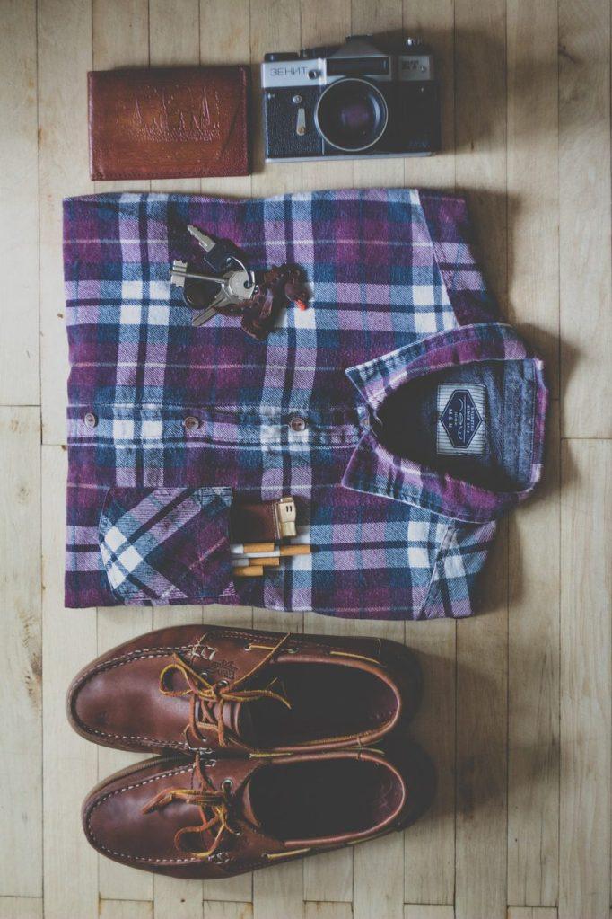 fashion, shirt, shoes-918446.jpg