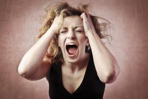 Žena křičí