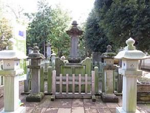 お墓参りの時間帯は何時頃に行けばいいのか知ってますか?