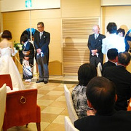 結婚式ソングに合う邦楽・洋楽をピックアップしました。